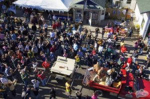 Enjoy Fall Fest in Sister Bay and stay in Ephraim WI lodging